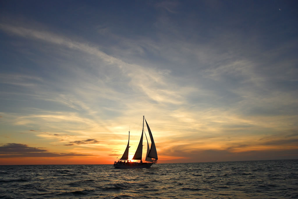 Twilight Sailing in Perth departs Fremantle on Starsand Charter Yacht